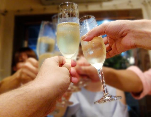 脂漏性皮膚炎とアルコールの関係性は?アルコールが与える悪影響は?
