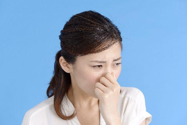 頭皮が臭い人以外は見ないで!40代女性の悩み原因に新しい対策方法