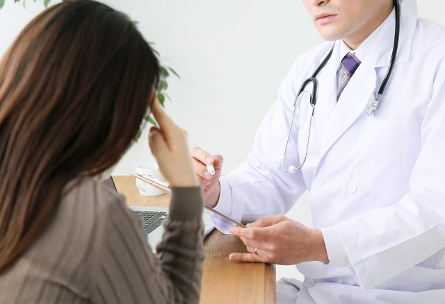 女性ホルモンの乱れは脂漏性皮膚炎が悪化する?生理前は特に注意1