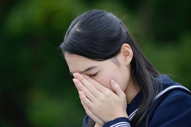 女子高校生が陥りやすい頭皮の臭いの原因は?_困ったなぁ